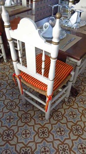32 stoel