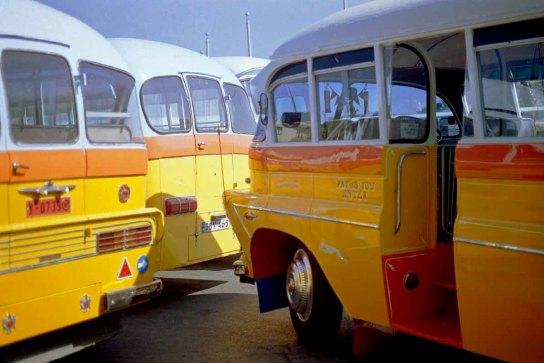 01 bussen
