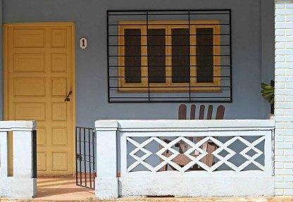 158 gele deur